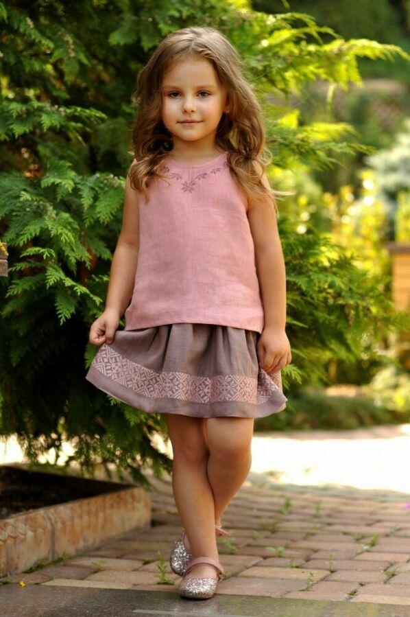 Дитячий топік і спідниця з вишивкою для дівчинки