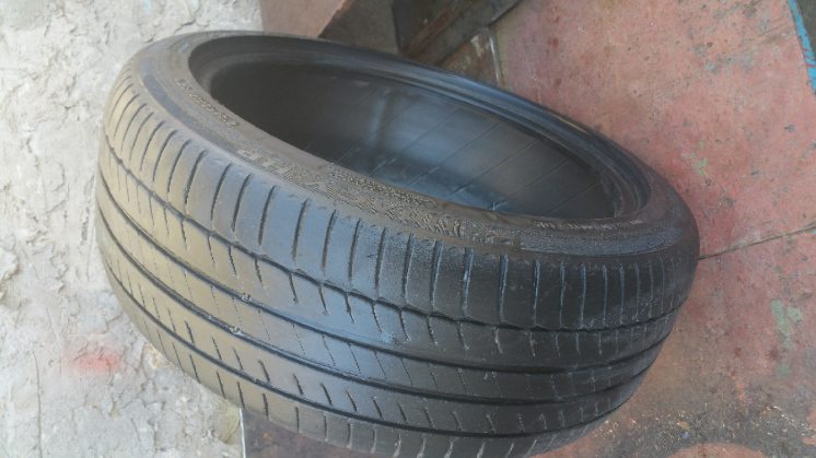 Продам шину Michelin Primacy Hp R17 215/45 1шт