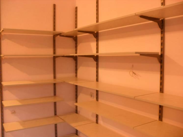 Полки для магазина, настенные стеллажи