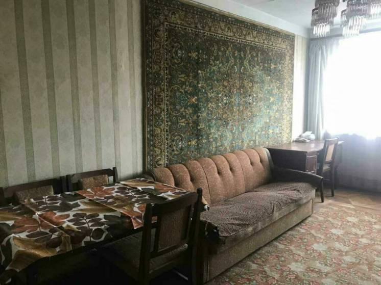 Сдам комнату в трехкомнатной квартире на салтовском шоссе