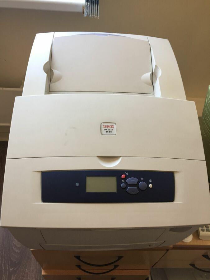 Продам цветной лазерный принтер Xerox Phaser8500