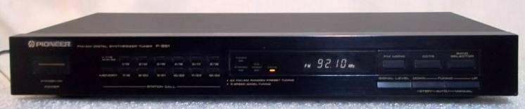 Тюнер Pioneer F-551 радиоприемник