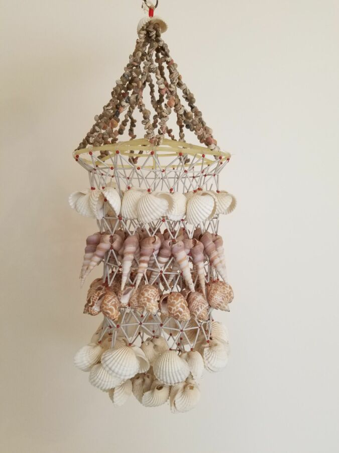 Продам сувенир подвесной   из ракушек ( маврикий )