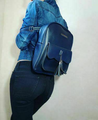 Женский рюкзак синий с кисточкой 2019