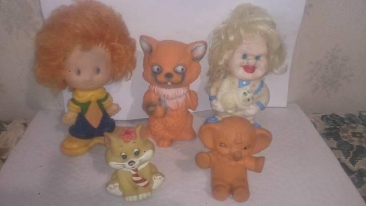 Продам игрушки для детей в воде резиновые