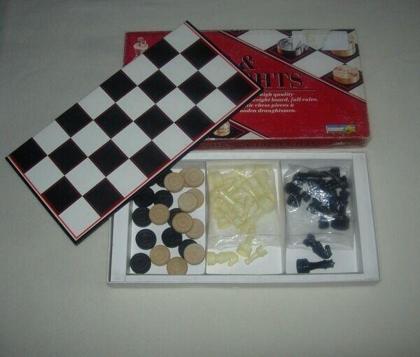 Набор. Шахматы, шашки, Chess Draughts, Англия.