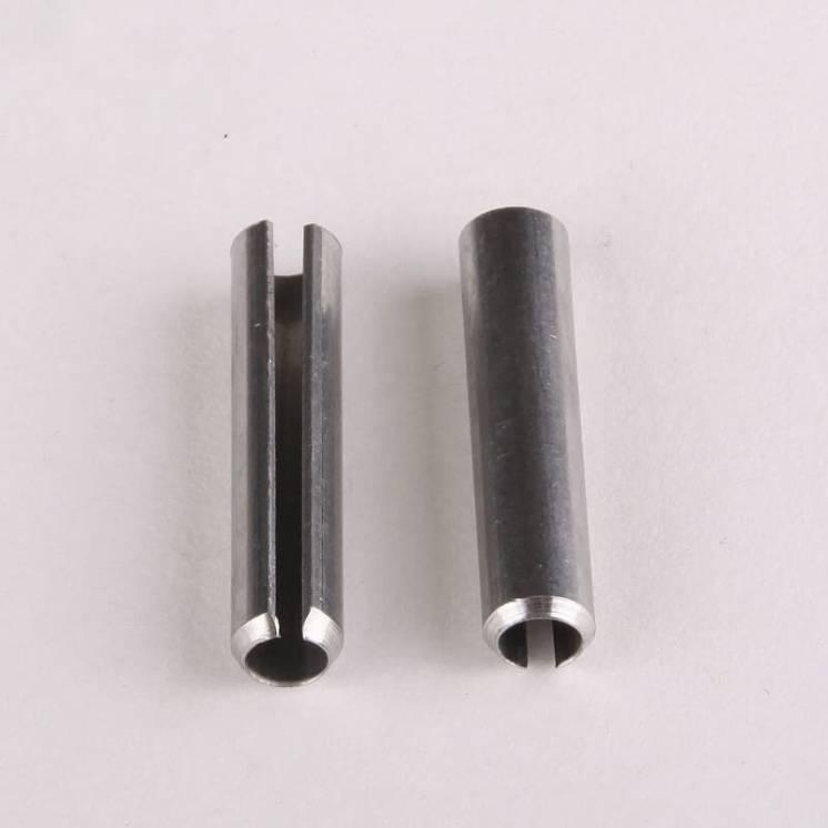 Шплинт для фиксации шестерни бетономешалки.