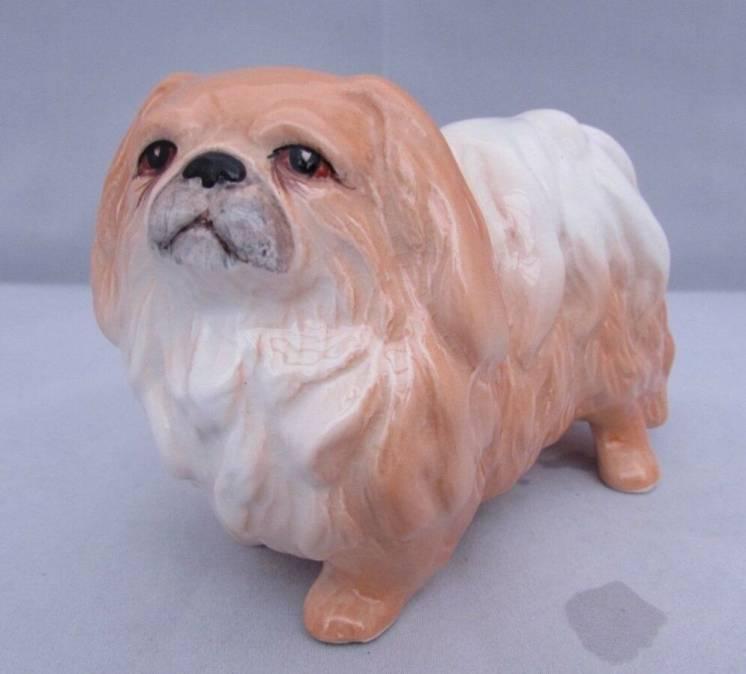 Фарфоровая статуэтка винтаж собака пекинес английский фарфор
