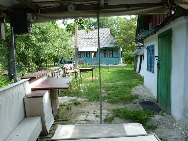 Земельный участок с постройками в селе Петровка Полтавской области.