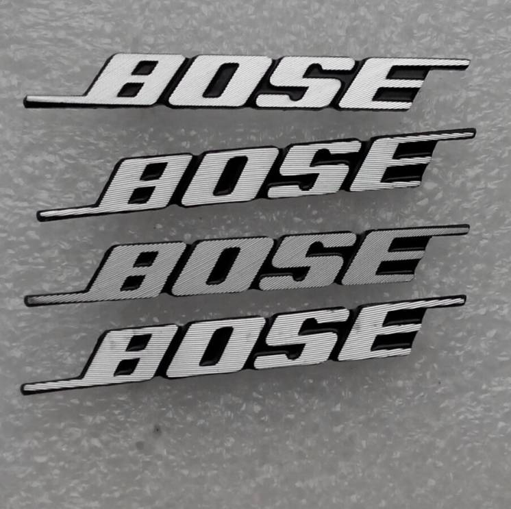 Шильдики Bose, на колонки. для Mazda, Audi, Skoda, Volkswagen.
