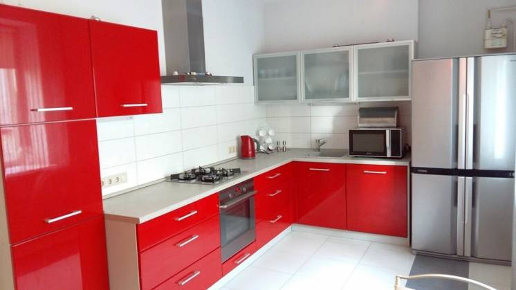 Оренда 3-кімнатної квартири по вул. Сахарова