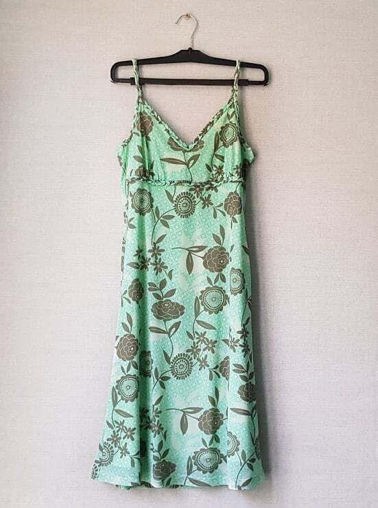 Зеленое платье-сарафан в цветочный принт от Esprit