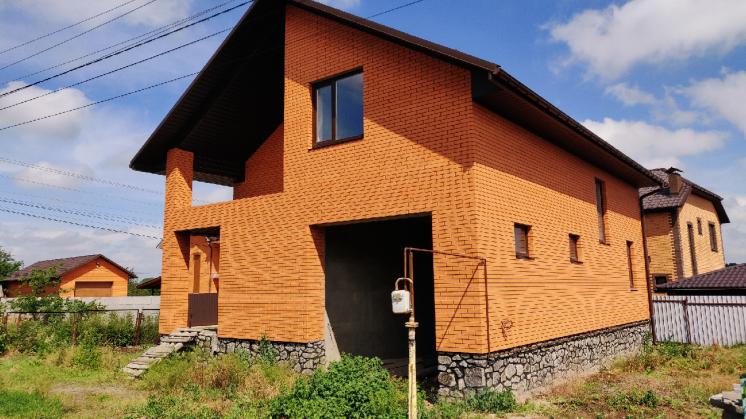 Новенький будинок в передмісті Винниці в Агрономічному