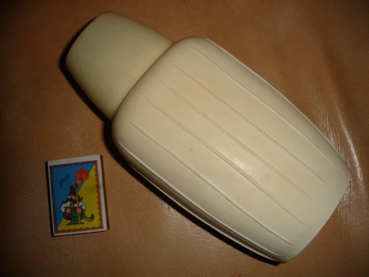 Фляга 0,5 л пластмасова; харчова; срср; висота 19 см; не прозора; біла