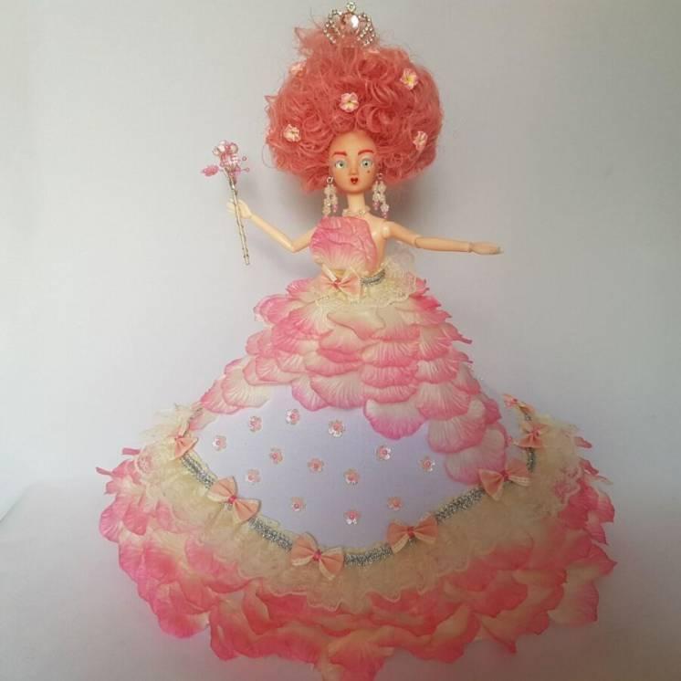 Кукла с розовыми волосами в пышном платье, королева цветов, фея розали