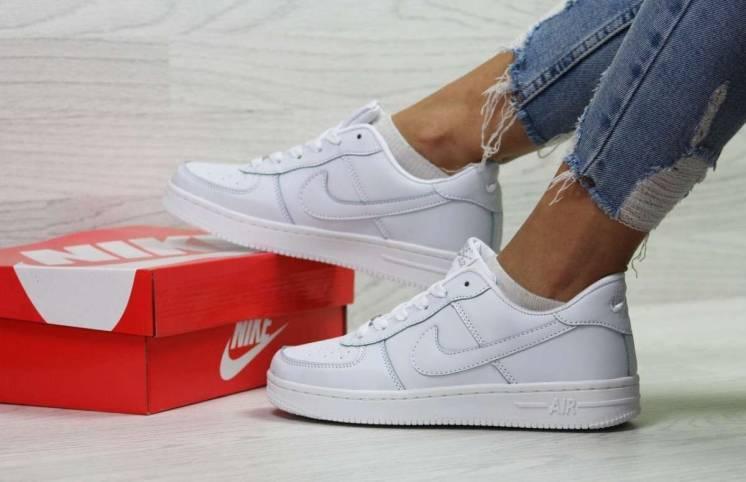 Кроссовки женские белые Nike Air Force