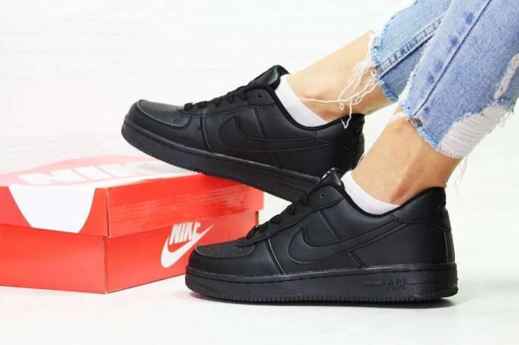 Кроссовки женские черные Nike Air Force