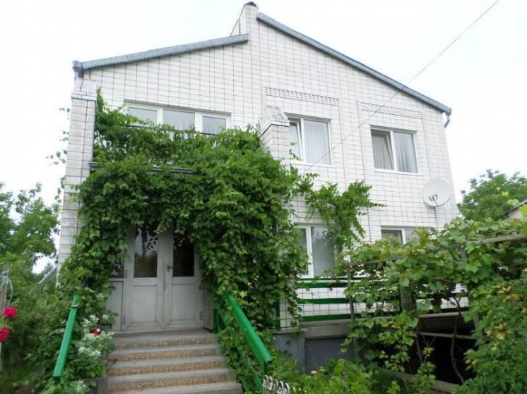 Продаю 2 этажный дом с садом и участком на 25 сотках в Агрономичном