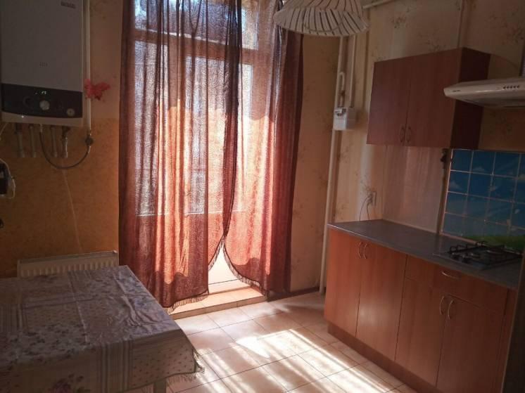 сдам 1 комнатную на 7 небе, с мебелью,  без техники,  семейной паре