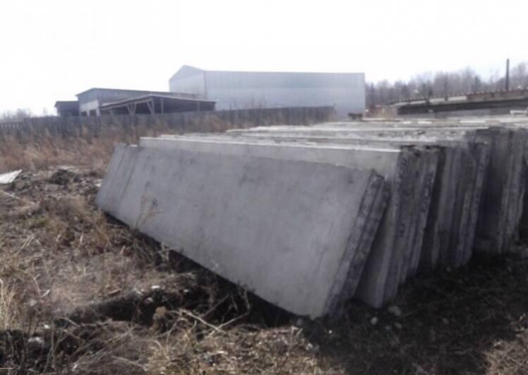 Плита керамзито бетонная используется в монтаже ангаров, заборов, огра