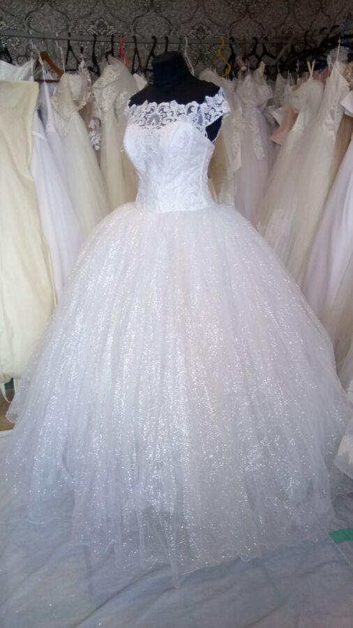 Изумительнейшее вечерне-свадебное платье