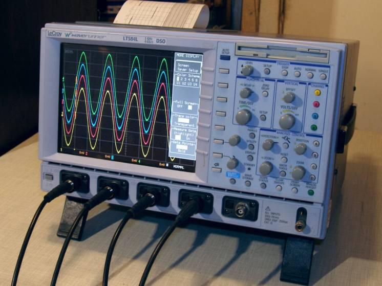 Осциллограф 1 ГГц Lecroy WaveRuner-2 LT584L.