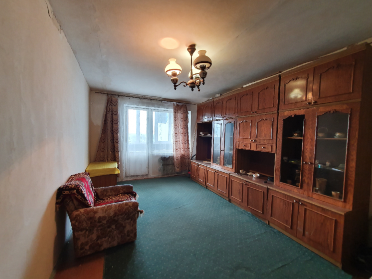 продам двухкомнатную квартиру 12 квартал (Кротова)