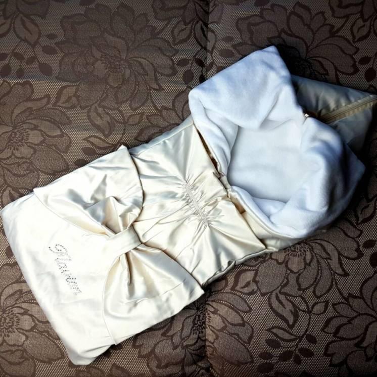 Конверт одеяло на выписку демисезонный с атласной отделкой на флисе