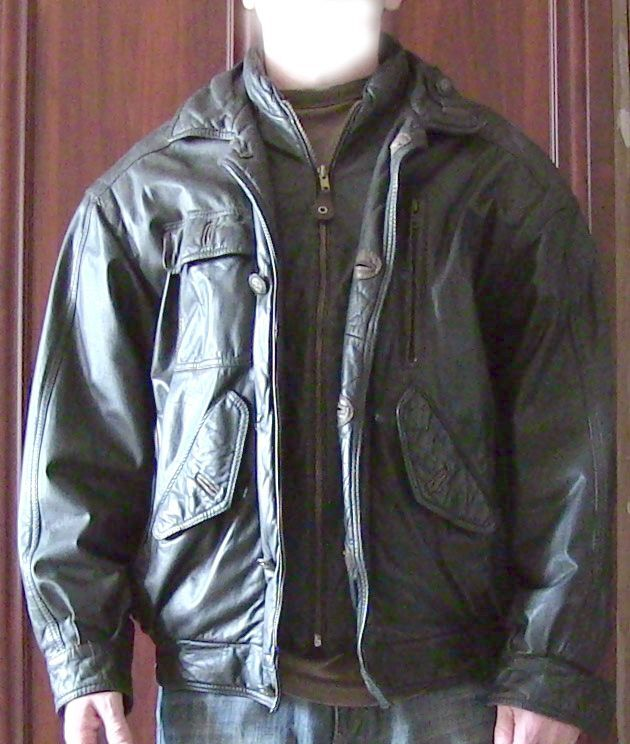 Куртка кожаная мужская. фирменная, название бренда на фото в объяв..