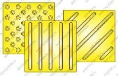Плитка тактильная с косыми полосами пт-03-30
