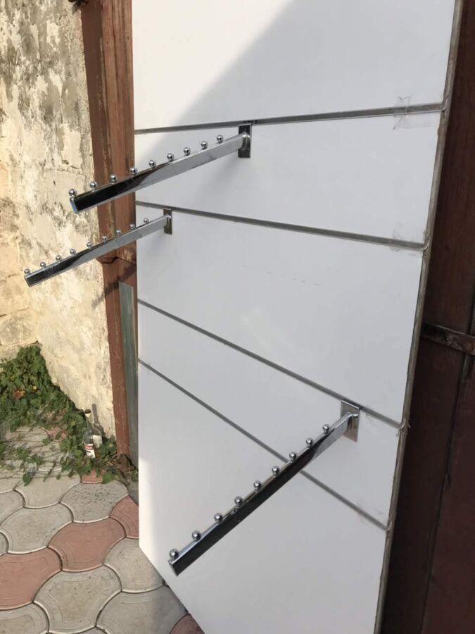 Оборудование: Кронштейны/крючки/стойки для (Магазина одежды)