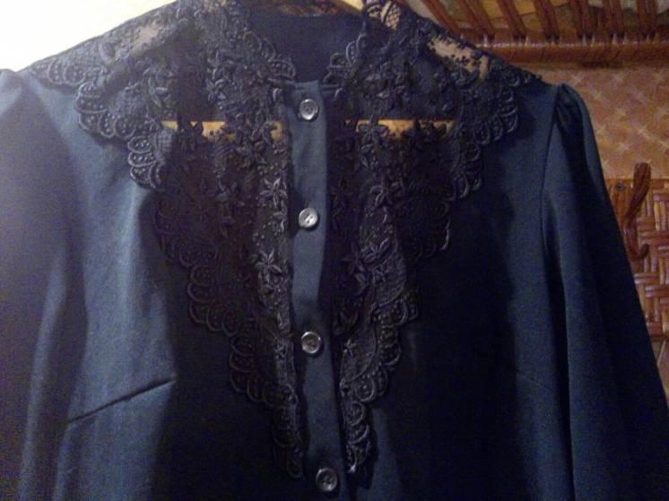 Блуза с кружевом.