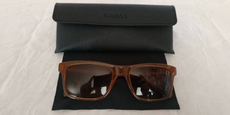 Сонцезахисні окуляри Солнцезащитные очки GUESS GU6886