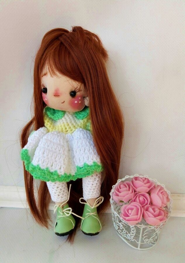 Кукла интерьерная, игровая в вязаном нарядном платье и штанишках