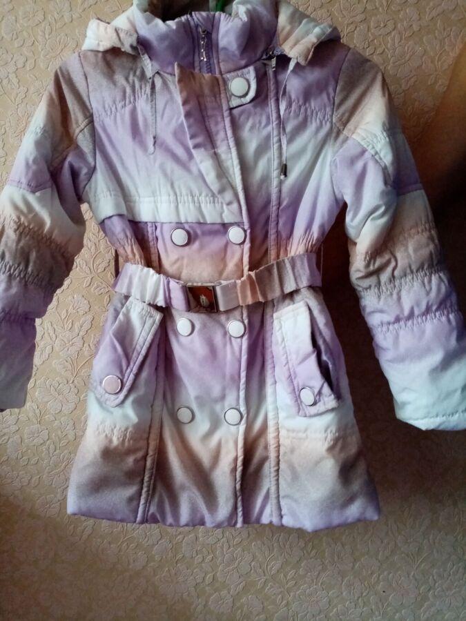 Продам пальто для девочки демисезон
