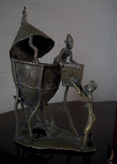 Старинная Африканская бронзовая арт скульптура