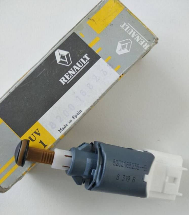 8200168238 Renault датчик включения стопсигнала