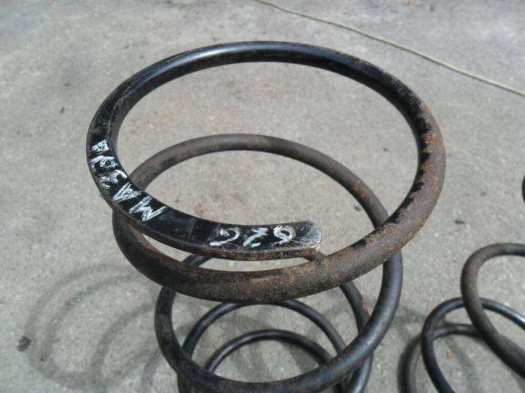 Пружины передние Мазда 626, GC, 86 год, оригинал
