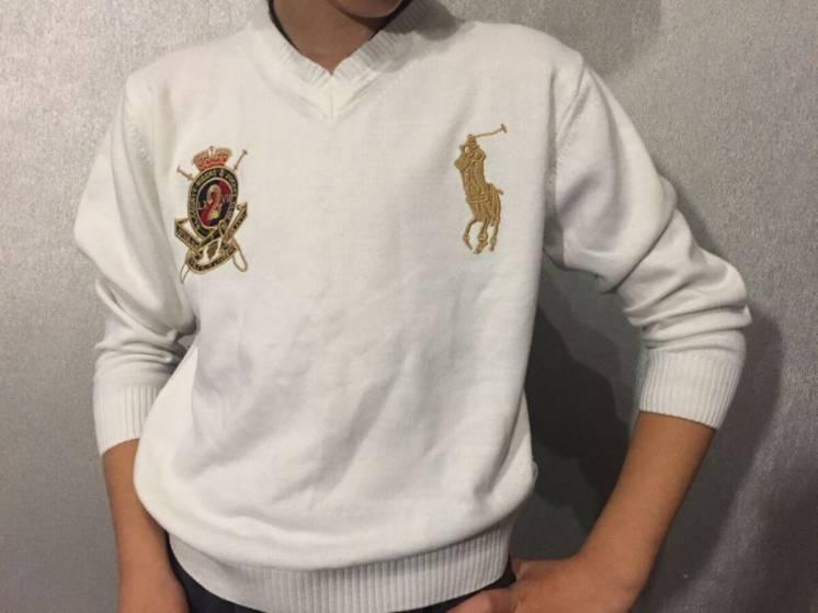 Пуловер белого цвета на маленького модника, 5-7 лет,
