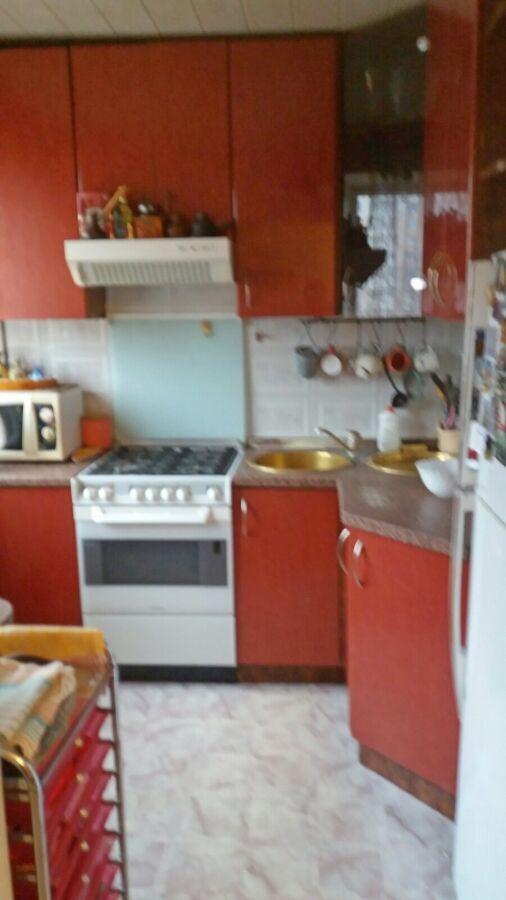 3 комнатная с ремонтом, ул Малиновского