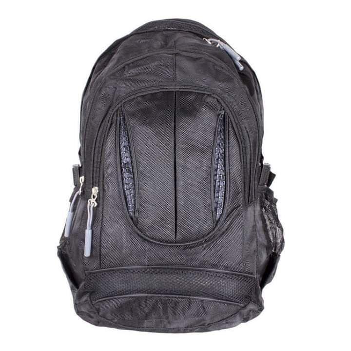 Рюкзак черного цвета из полиэстера