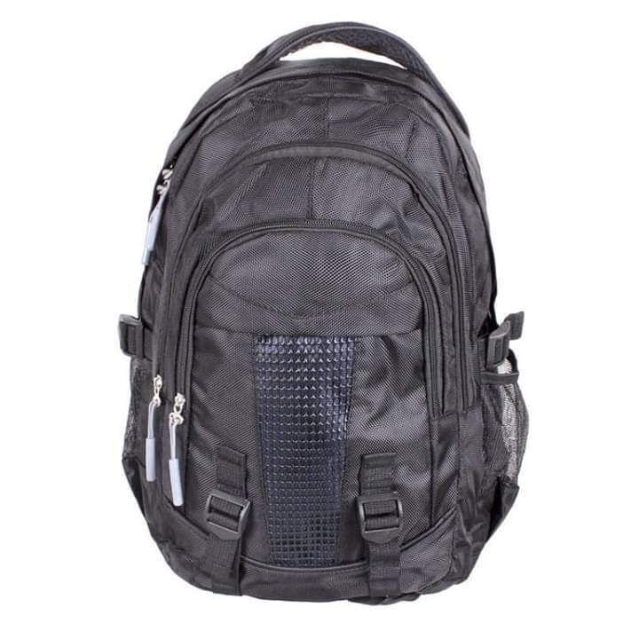 Мужской рюкзак черного цвета