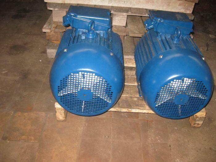 Продам электродвигатель 4АМ160S2 15кВт 3000 об/мин