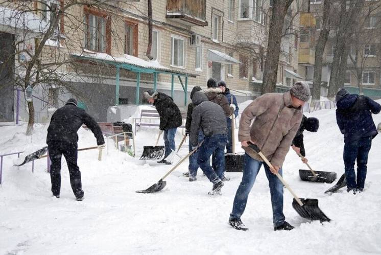 Ручная уборка снега киев