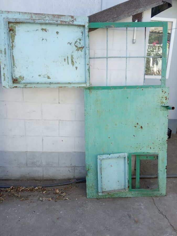 Двері металеві 1м*2м товщина 1.5мм