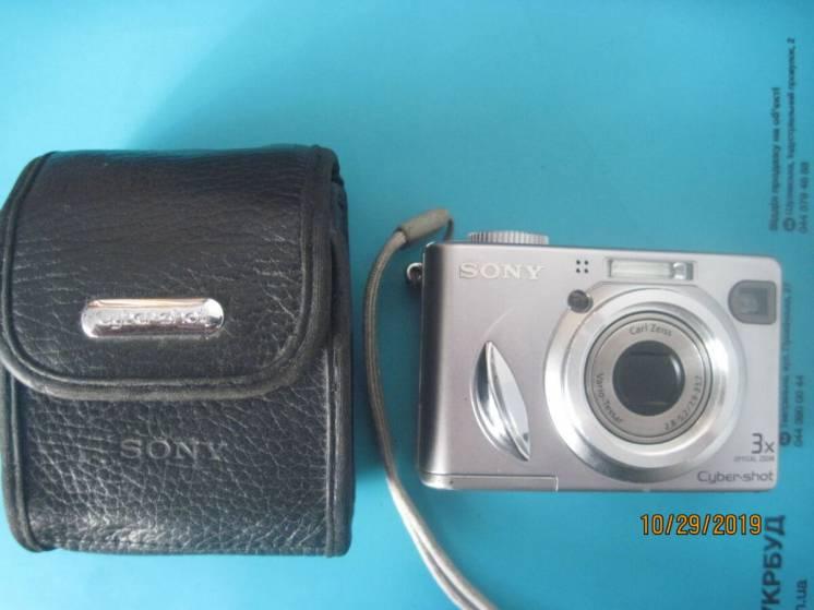 Продам  фотоаппараты:Sony, Canon, Nippon (Япония) и Смена (СССР)