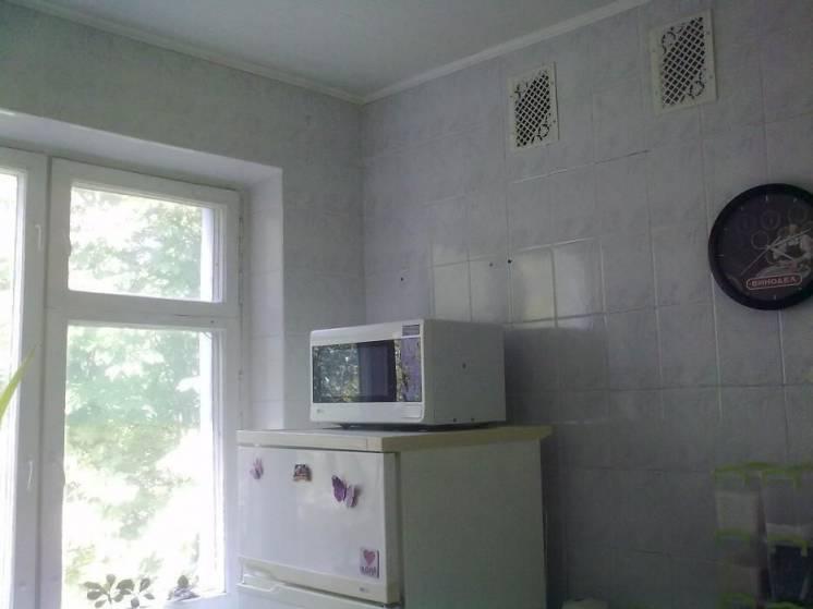 Продам двухкомнатную квартиру м. Студенческая