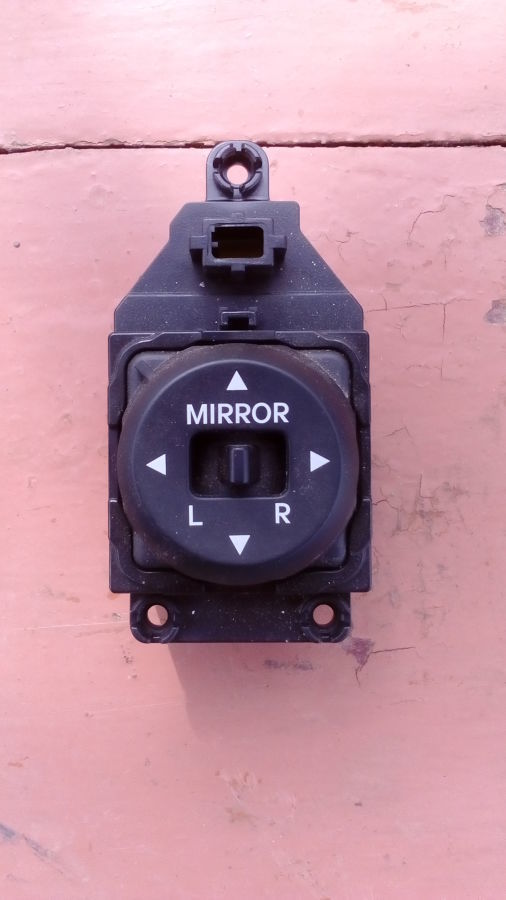 Блок управления зеркалами Hyundai Accent 93530-1R000