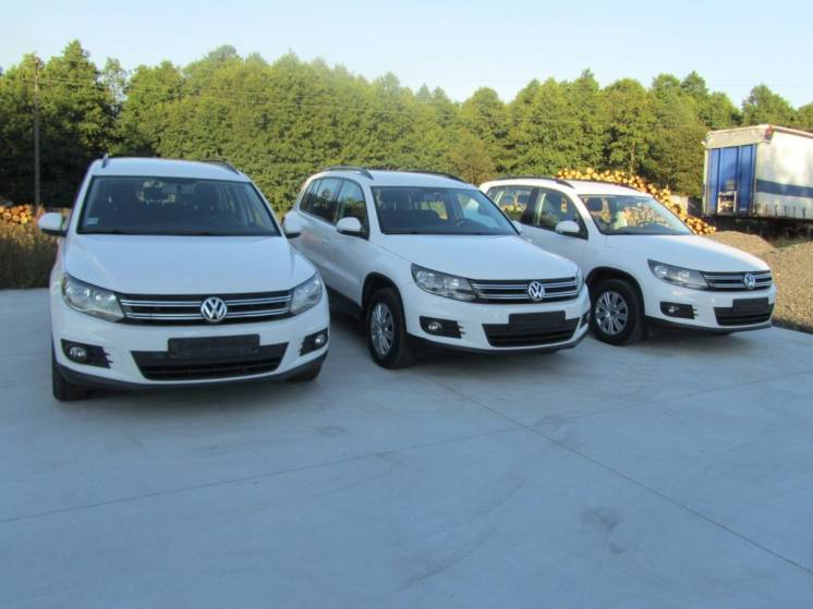 Разборка VW Tiguan б.у запчасти бампер крышка багажника двери.