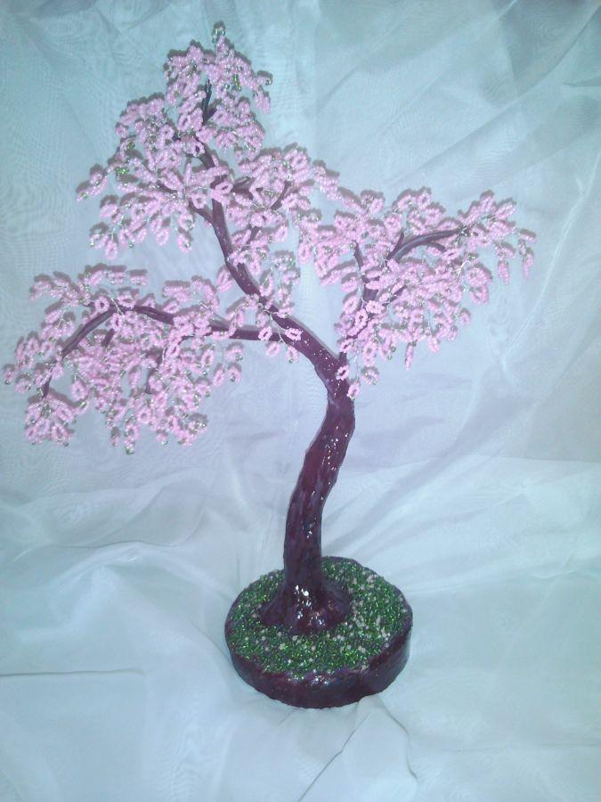 Деревце сакуры из бисера